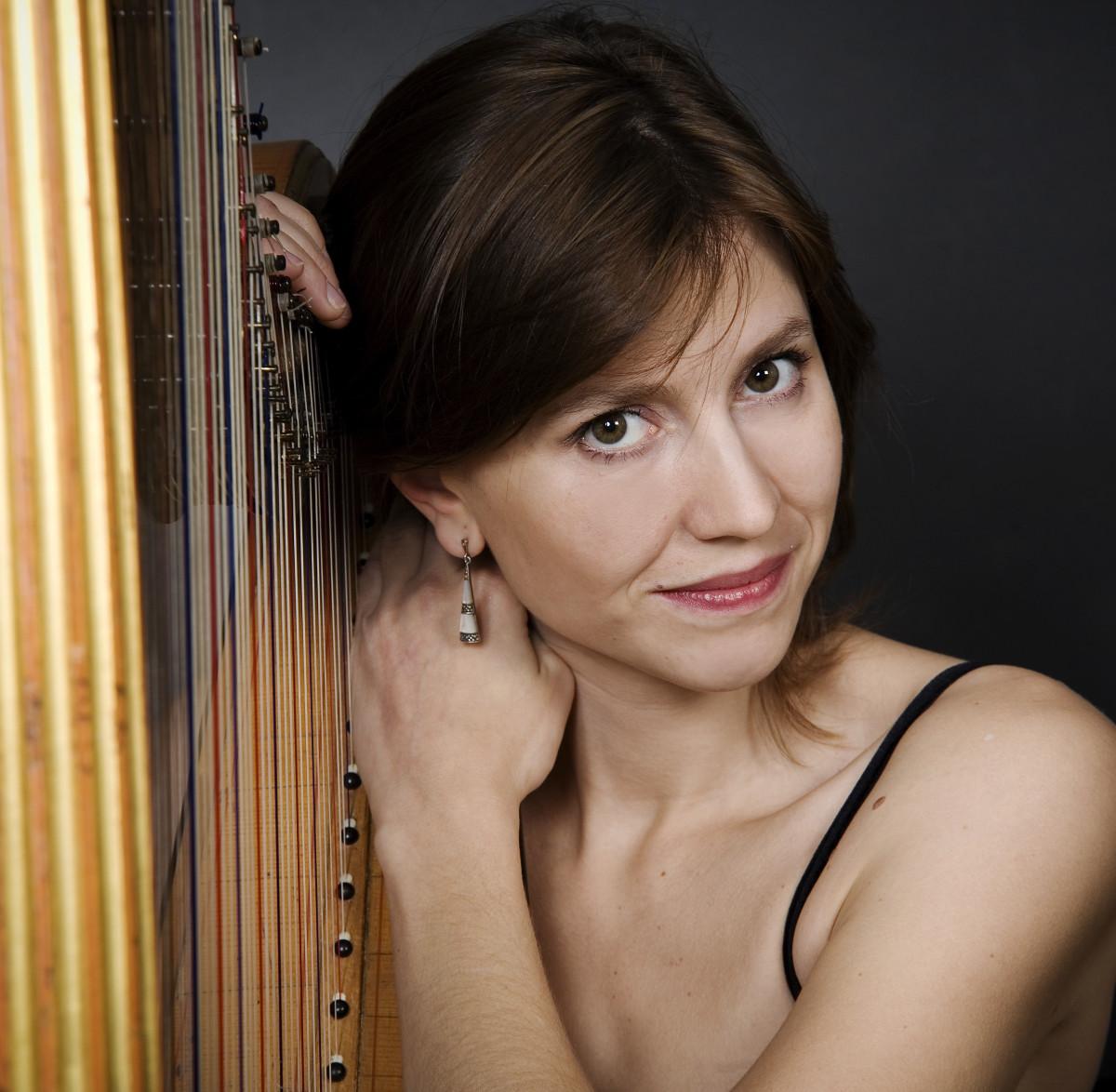 sandrine-Chatron-harp